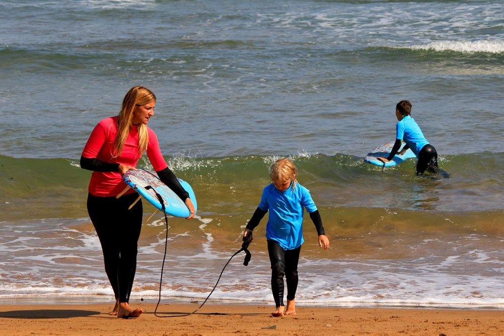 Ujusansa Surf School